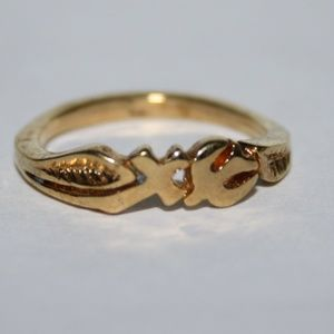 Vintage cross and dove gold ring 6.25